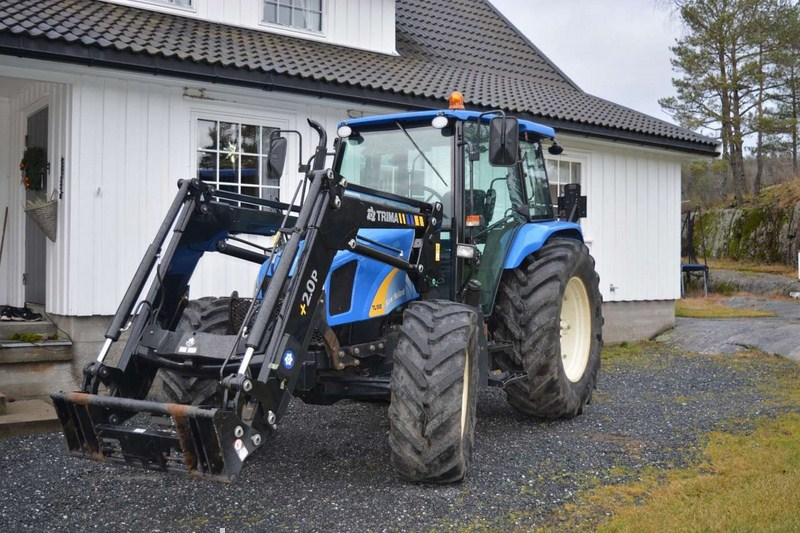 New Holland  - prodej - Car picture 1