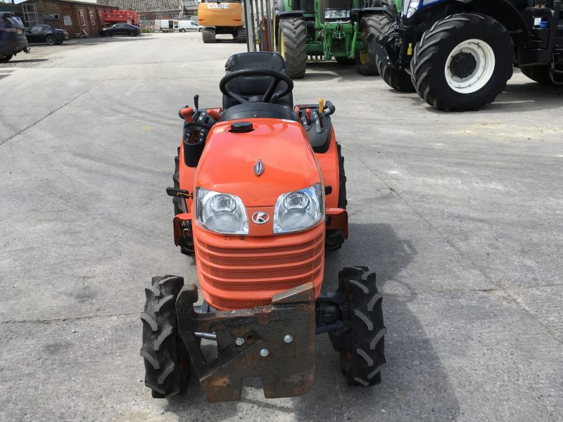 Kubota B1220 Compact Tractor (ST5004)   - prodej - Car picture 3