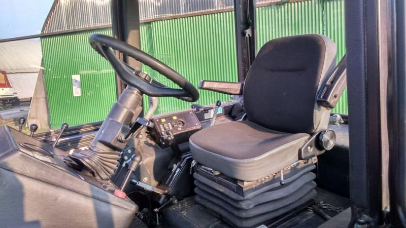 New Holland T1560 4WD  - prodej - Car picture 3