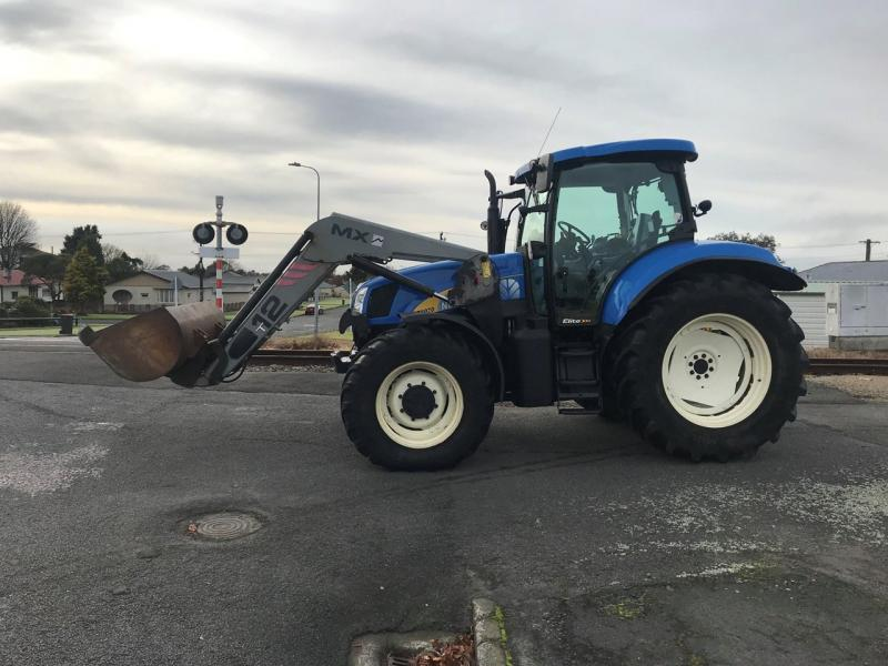 2011 NEW HOLLAND T6070 ELITE FOR SALE  - prodej - Car picture 2